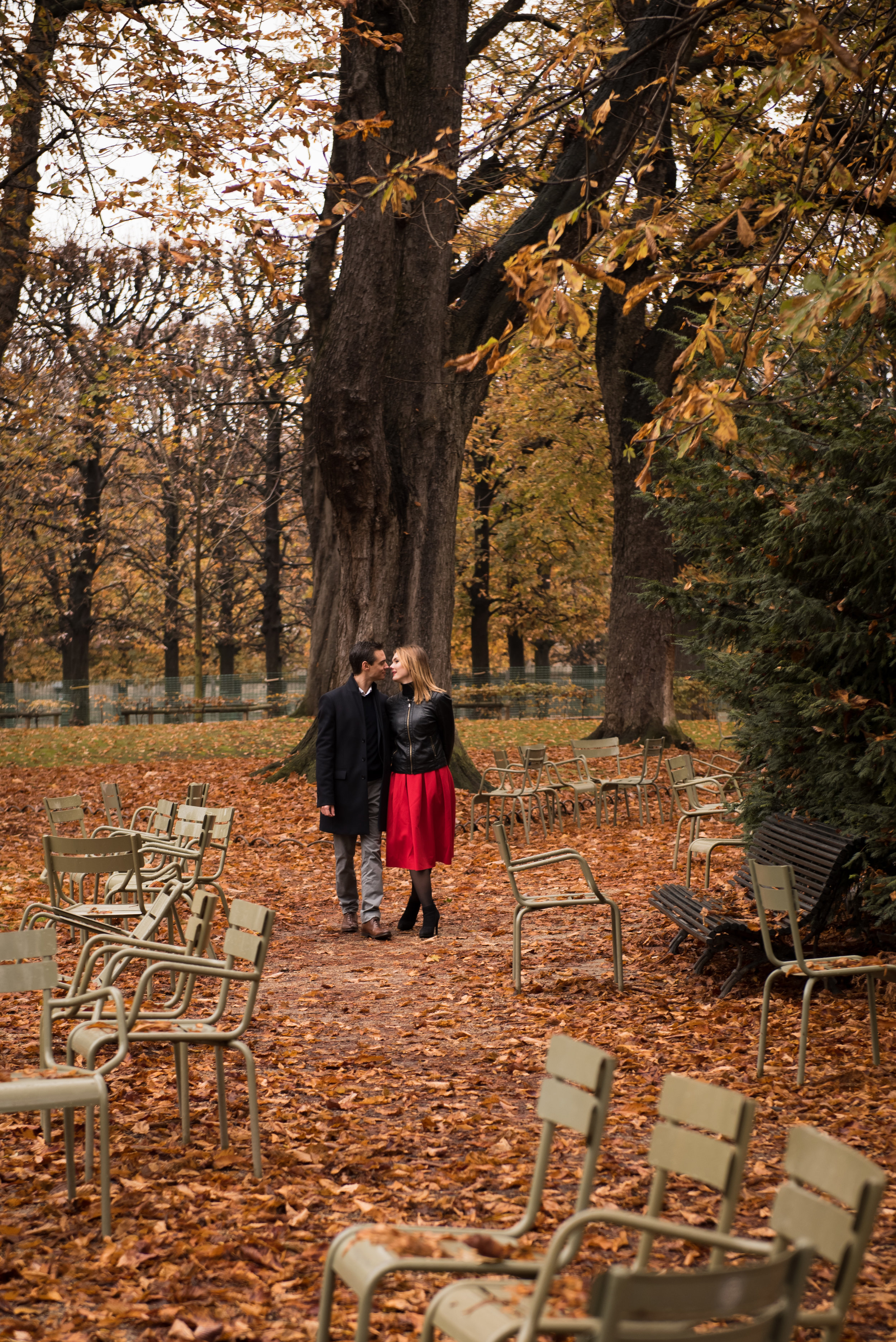 Paris engagement photoshoot in the fall at Jardin du Luxembourg-21.jpg