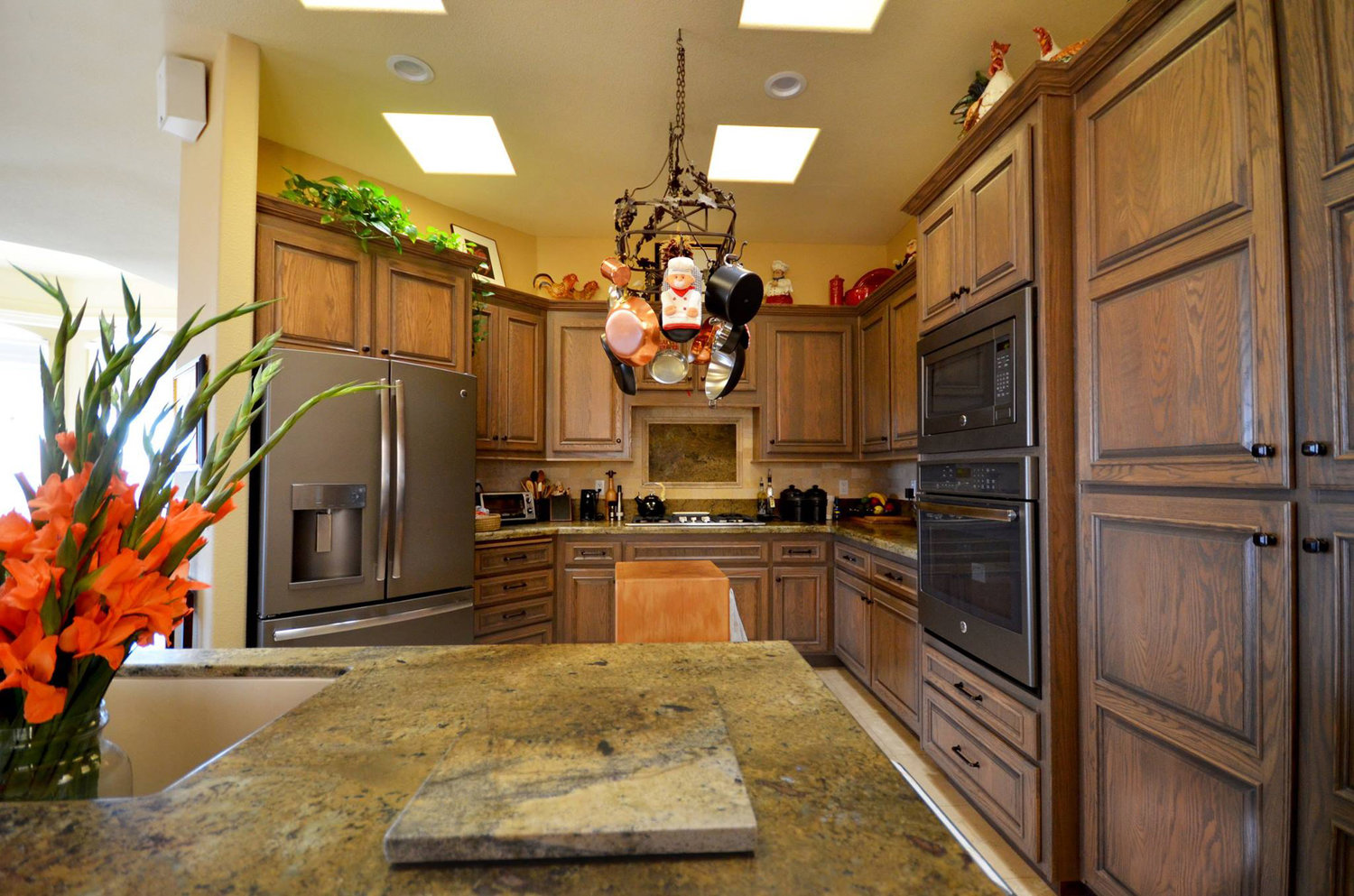 Kitchen Cabinet Refacing | New Life Bath & Kitchen