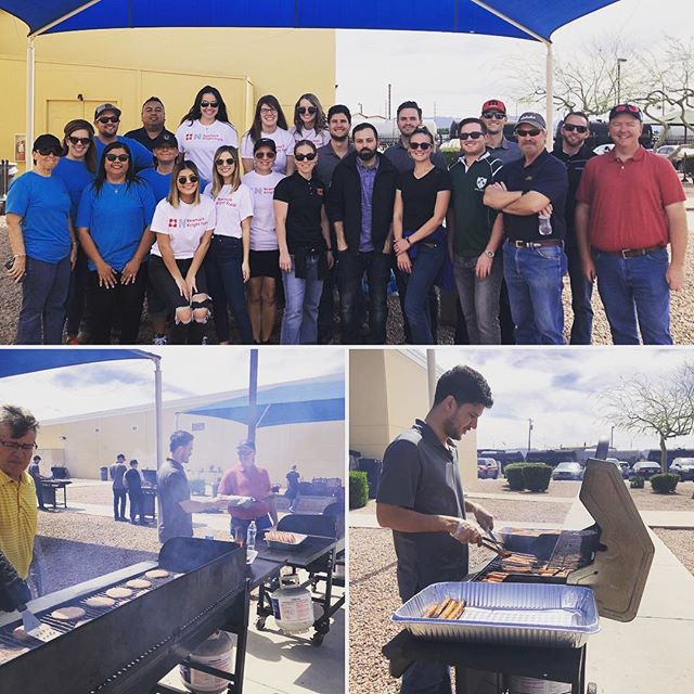 A beautiful day last Friday to grill and serve clients at the @humanservicescampus.az and @lodestardayresourcecenter in @downtownphoenix with @newmarkkf @jokake_construction #whitingturner and #civilandenvironmentalengineers. A big thanks to @naiopcorporate for this opportunity to better serve our community!  #volunteering #communityservice #teamwork