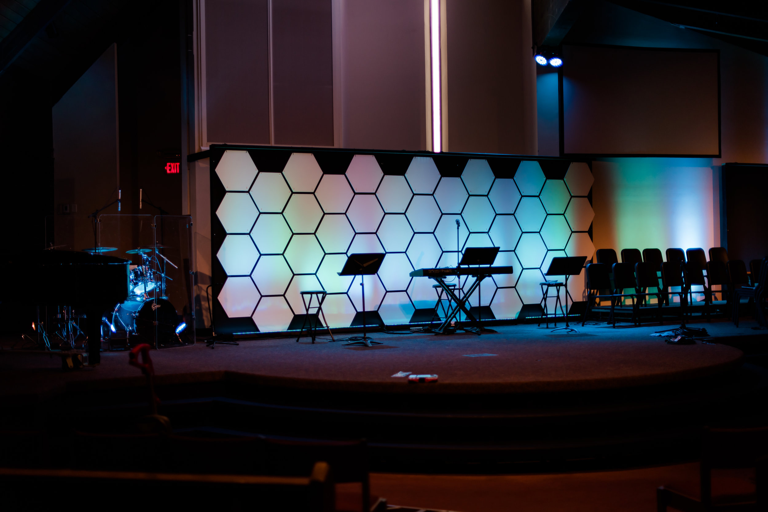 This set is 20' wide x 8' high. It uses 52 tiles. 4 Full packs and 1  Half pack were used to create this set.