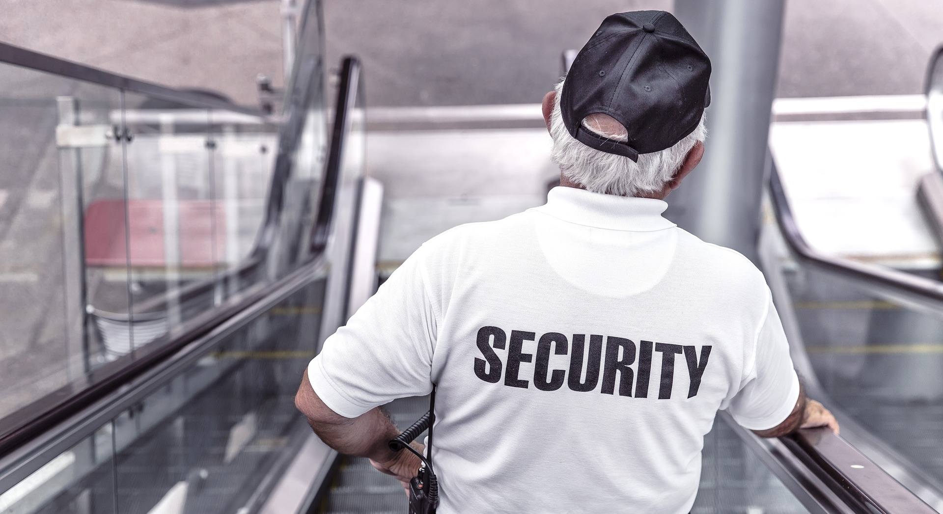 Security guard police-869216_1920 pixaba.jpg