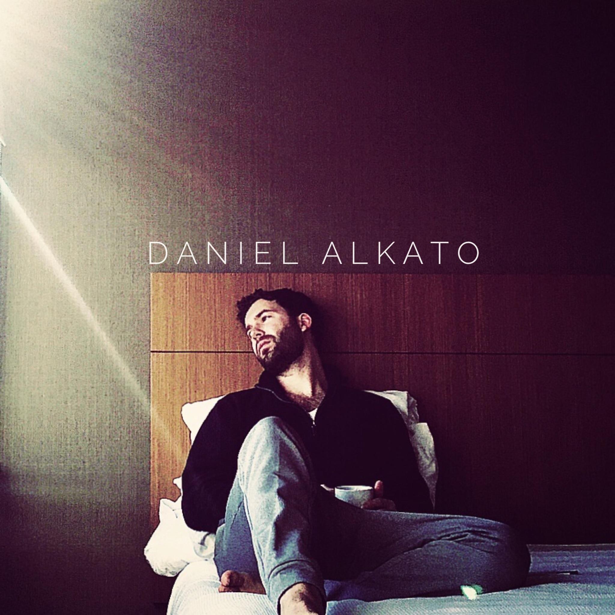 Daniel Alkato - When You Look at Me Album Coer