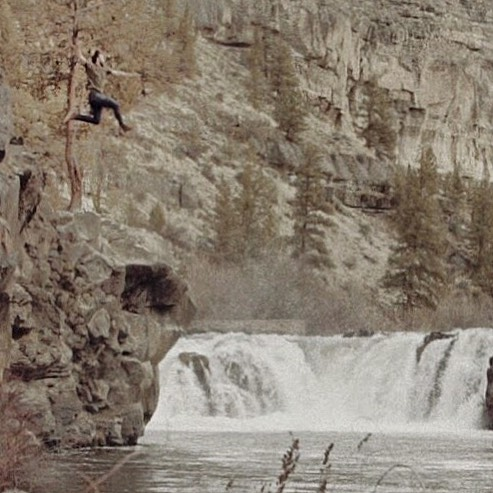 When I wrote the scenes for the WYLAM video and shared the story-board with @totement, I was intent on telling both who I am and why this album came to be. Stoked the river was roaring at Steelhead falls from a big snow storm passing through a few days before shooting❄️🌊🌲⛰️📽️⠀ .⠀ Video release on Tuesday Oct 23!!⠀ .⠀ #musicvideo #newmusicvideo #oregon #bendoregon #nature #desschutes #deschutesriver #steelheadfalls #wylam #whenyoulookatme #sistersoregon #vevo #youtube #itunes #noiseporn #tidal #amazon⠀⠀