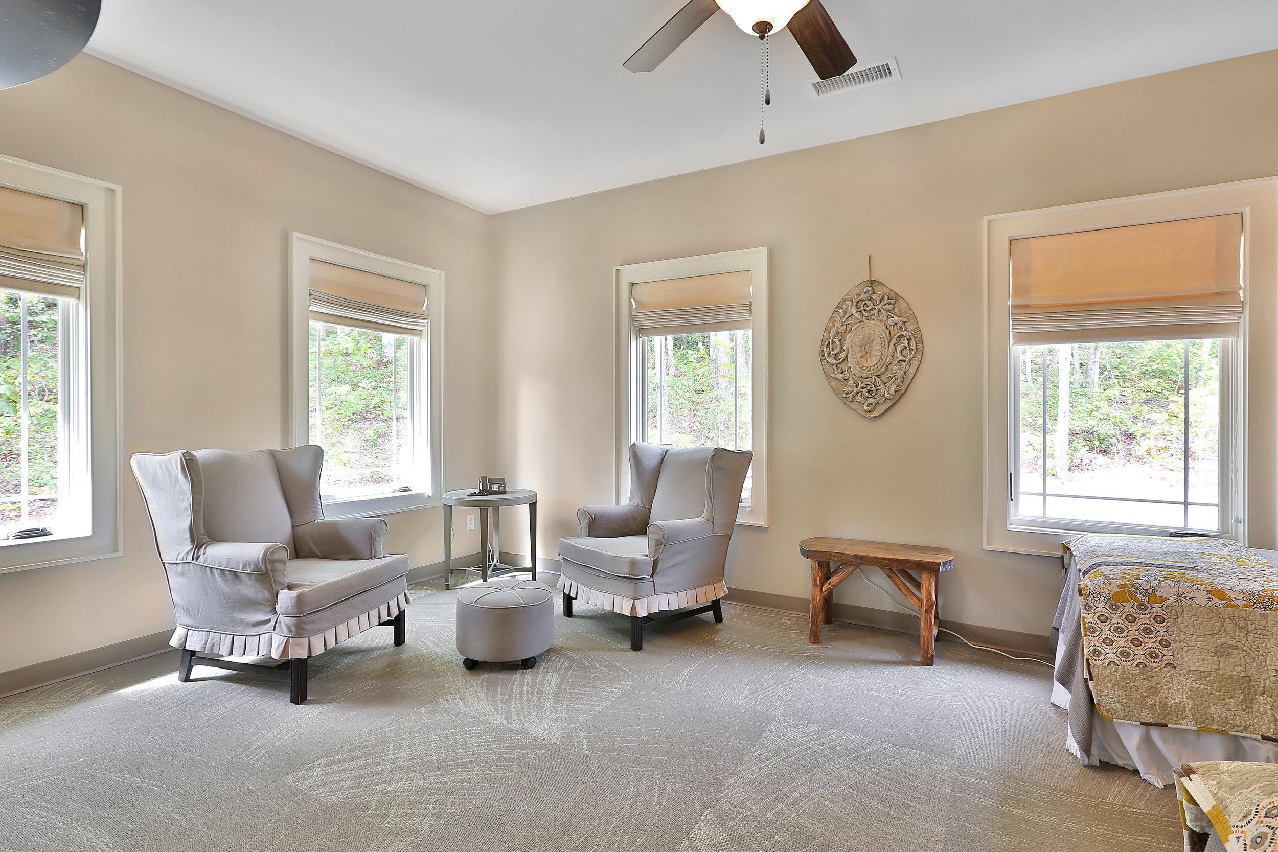 Twin Bedroom Sitting Area.jpg