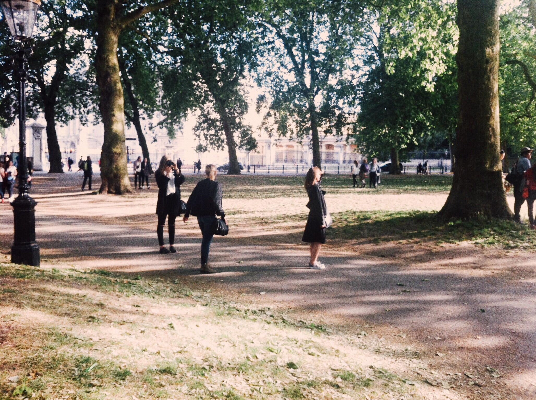 Caught snapping near Buckingham Palace, June '15