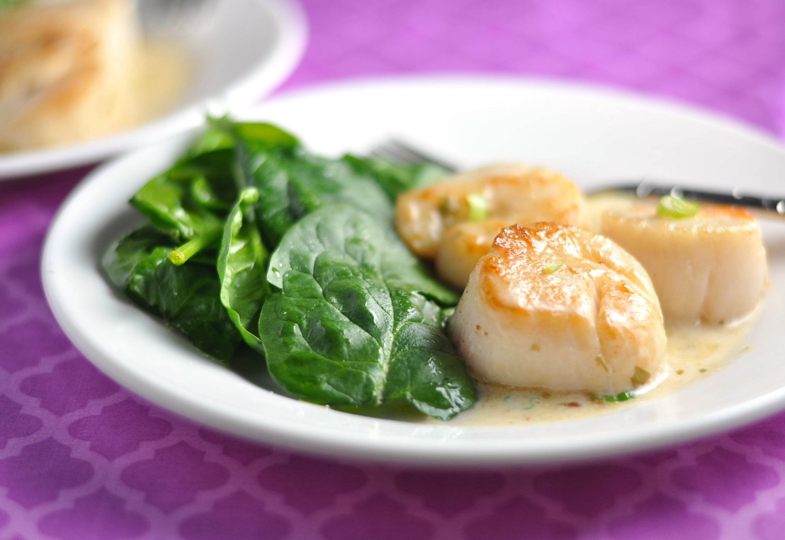 Low Carb Scallops in Tarragon Cream