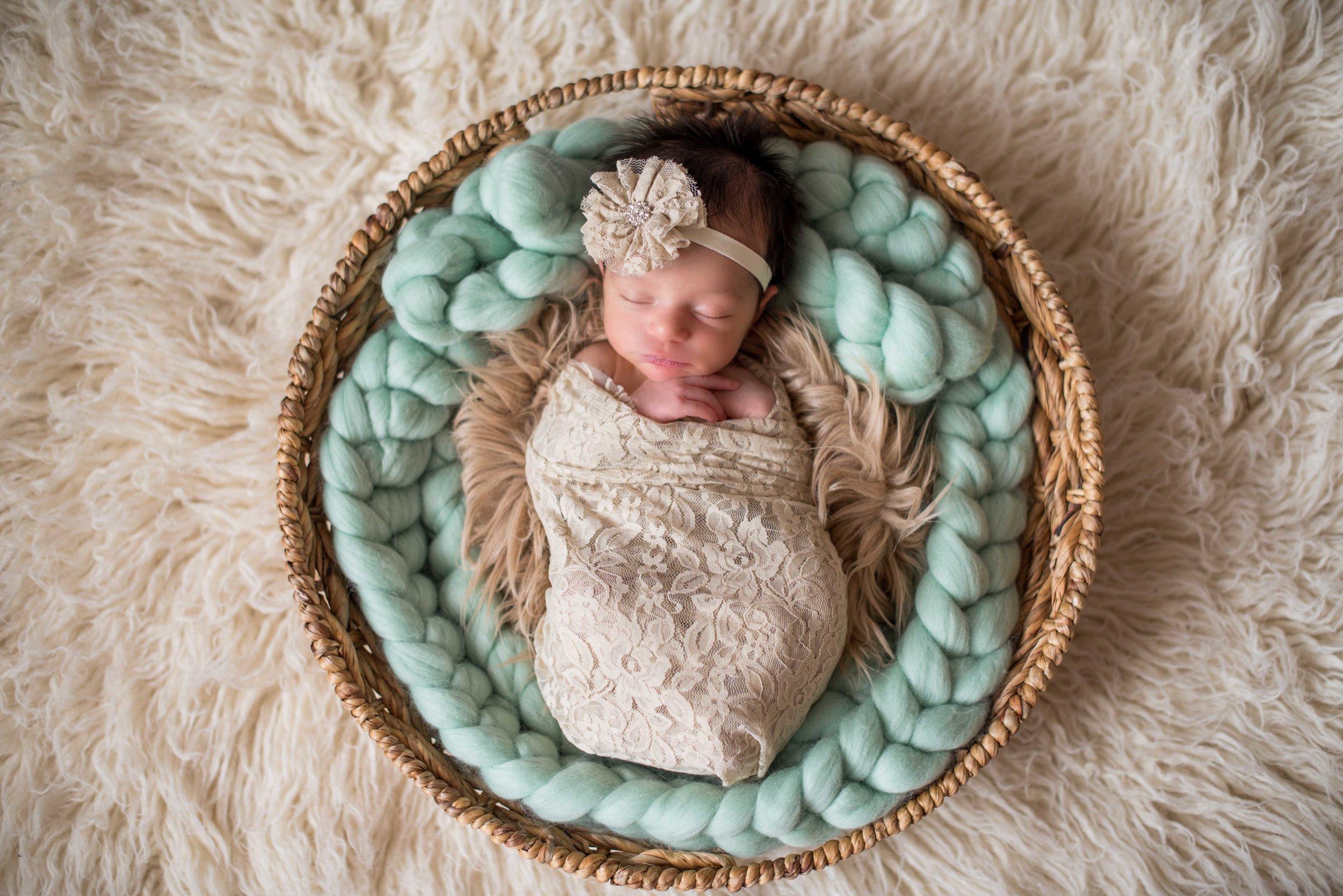 los lunas newborn photographers