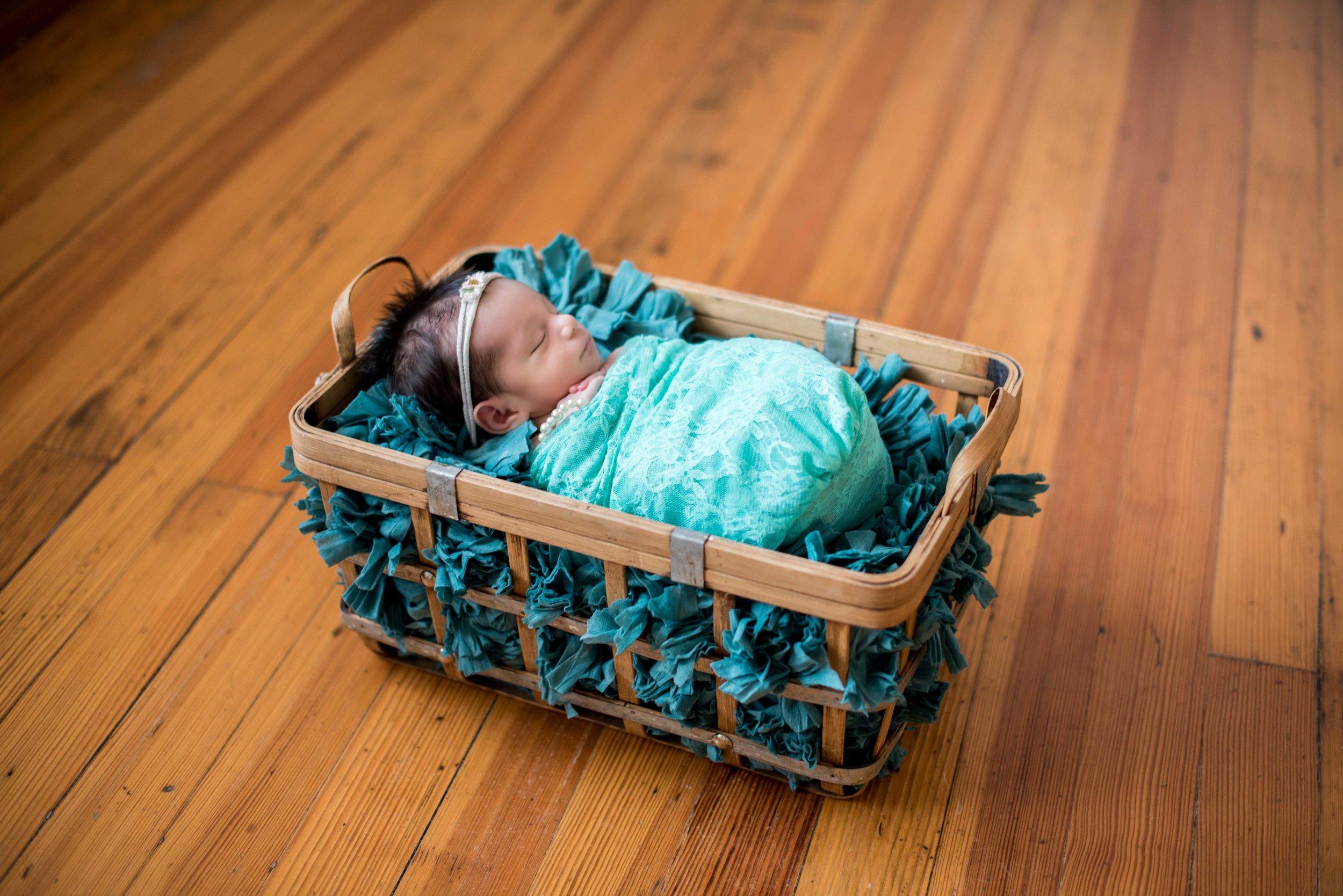 newborn photographers los lunas