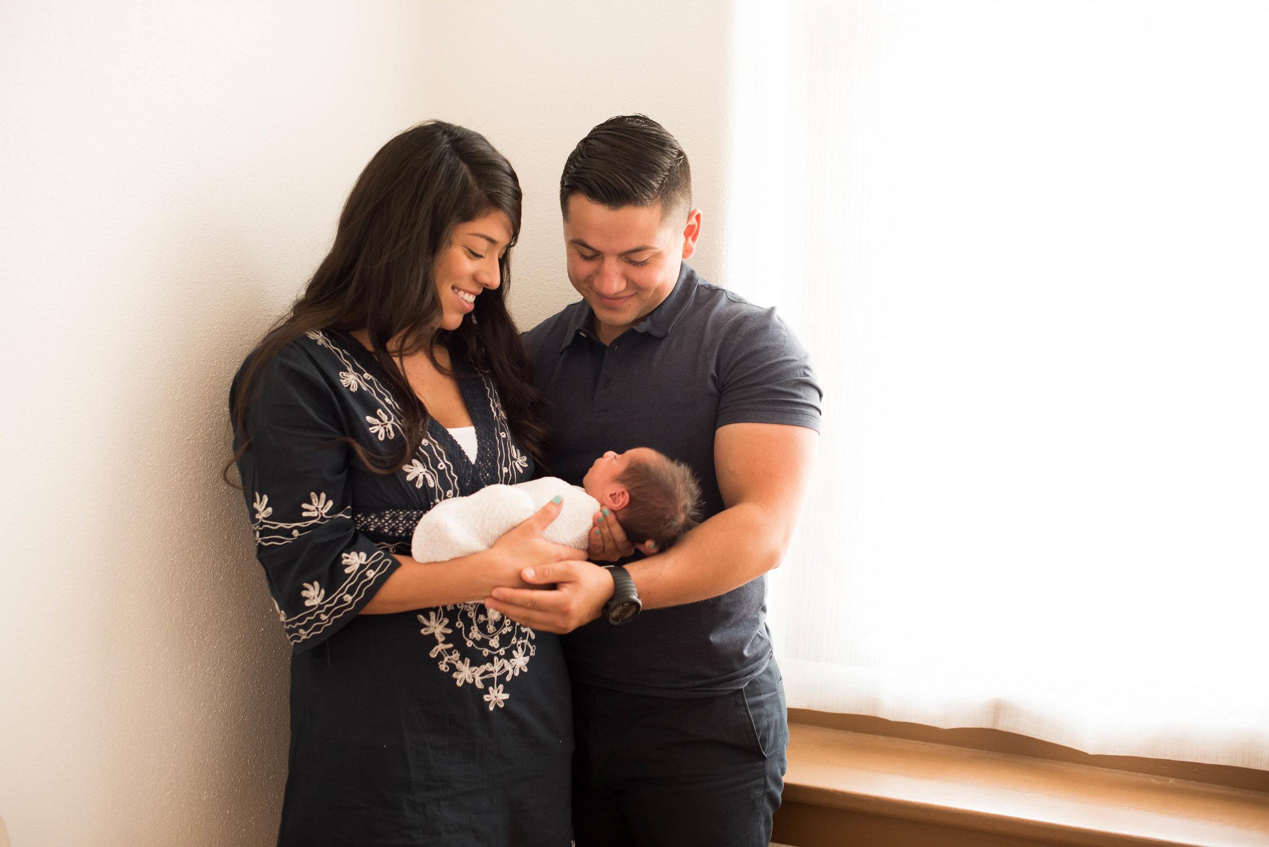 newborn photographers bernalillo