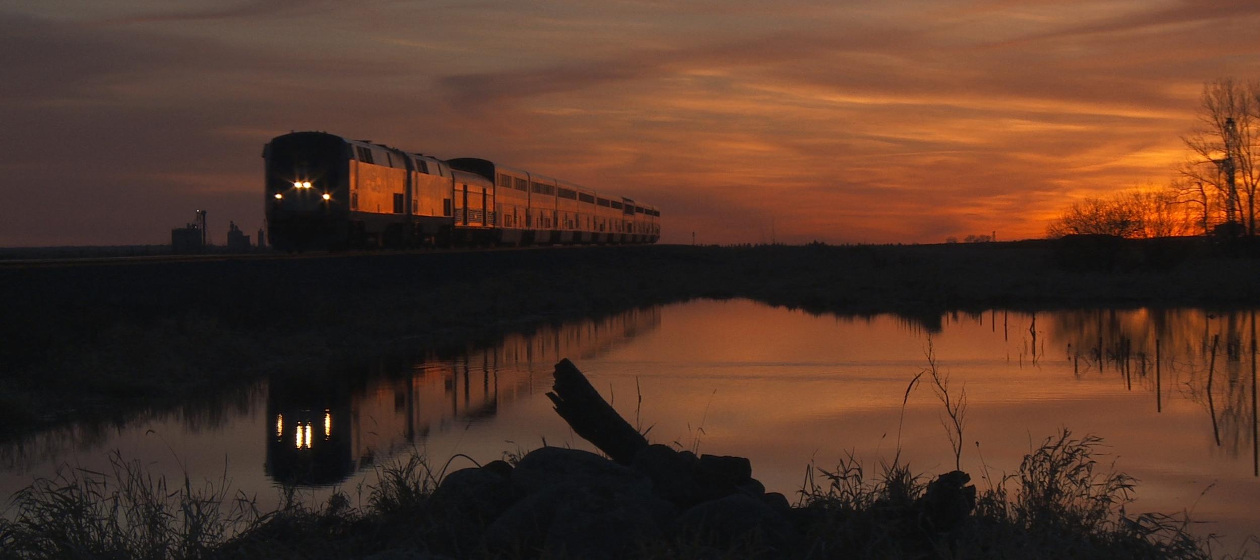 IN TRANSIT (2015) - Sunset in the plains of North Dakota