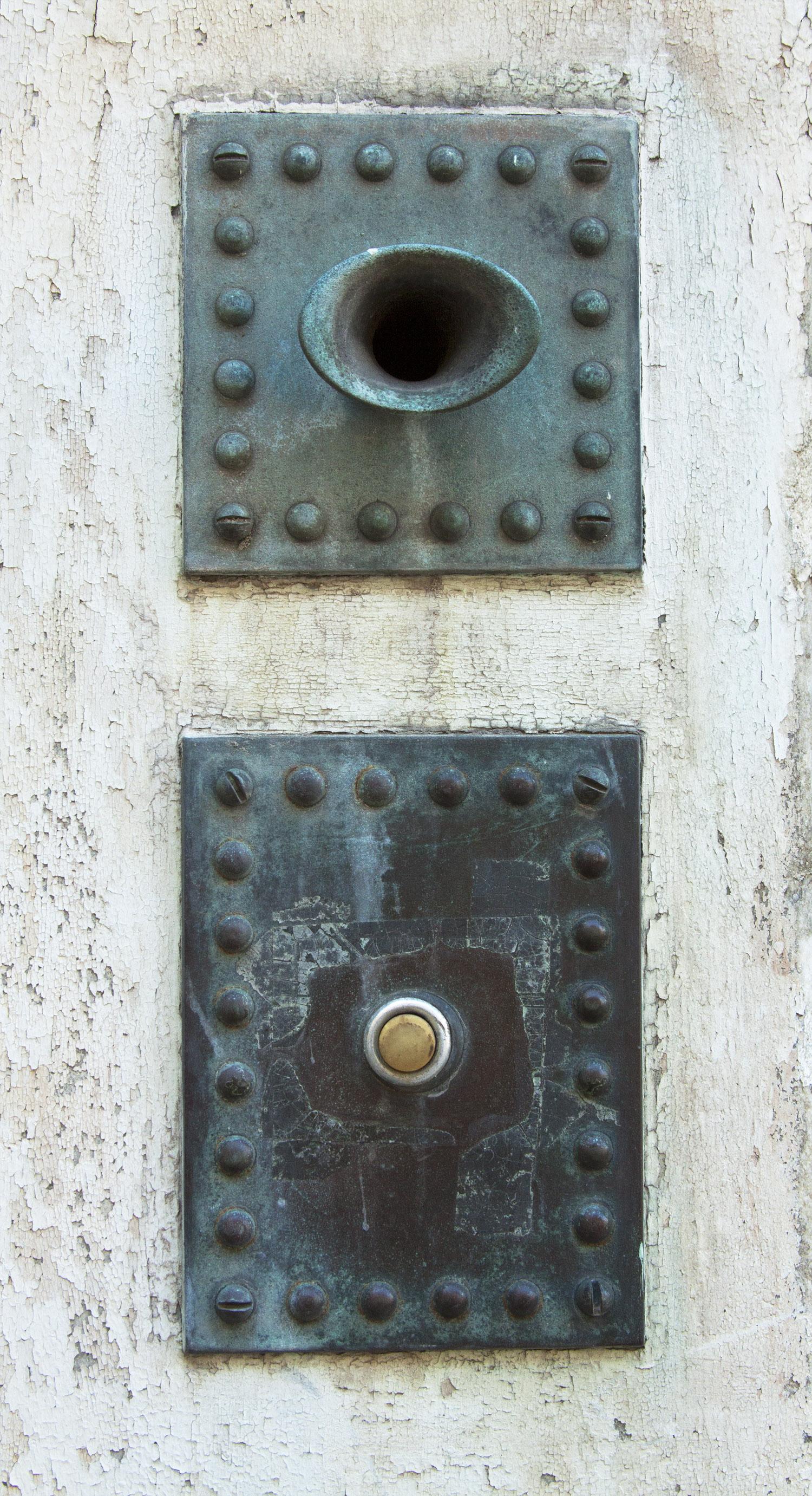 Speaker & Button
