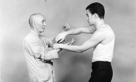 """Yip Man & Bruce Lee Practising Chi SAO """"Sticky Hands"""""""