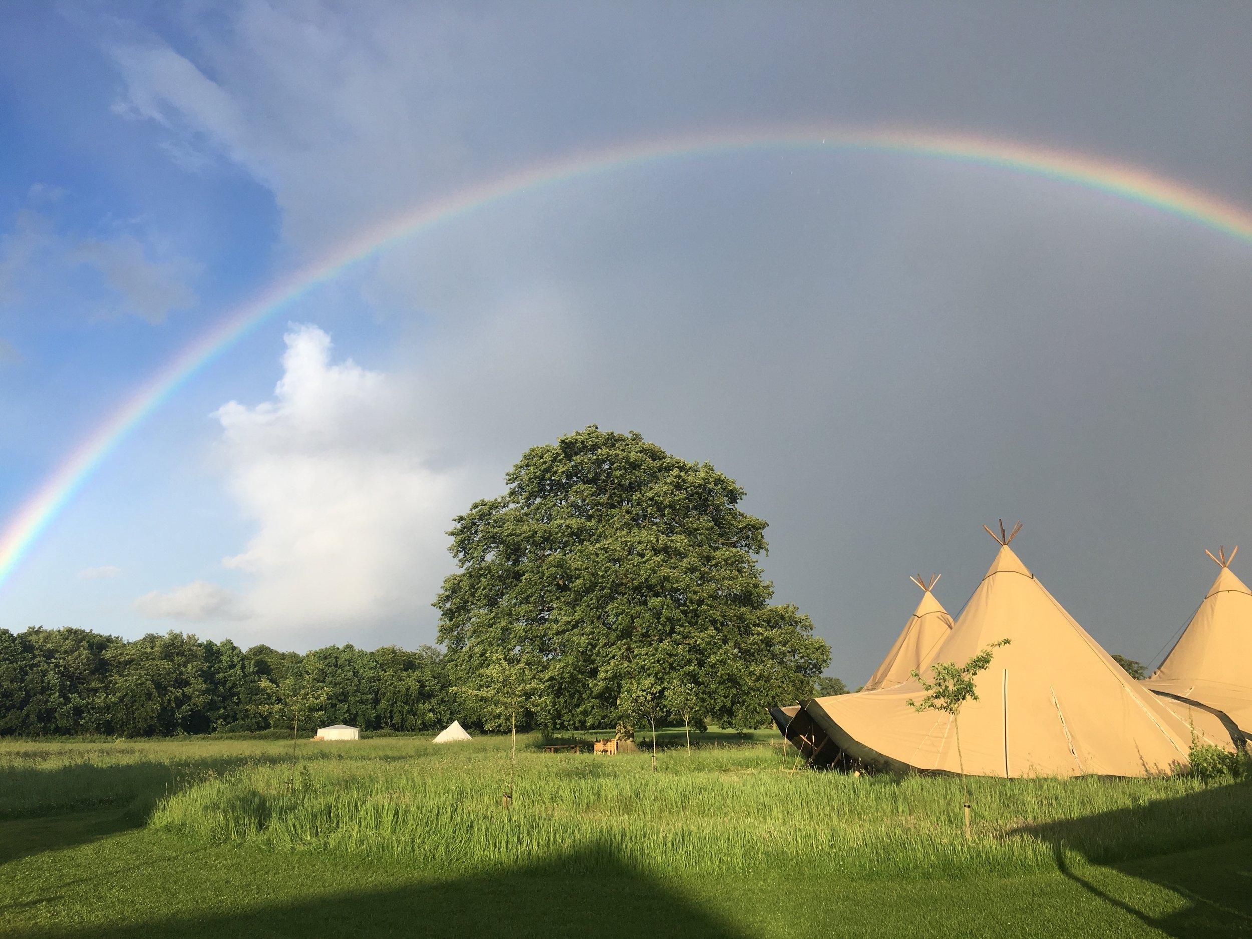 Best Glamping near London - Rainbow