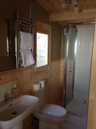 London Glamping bathroom