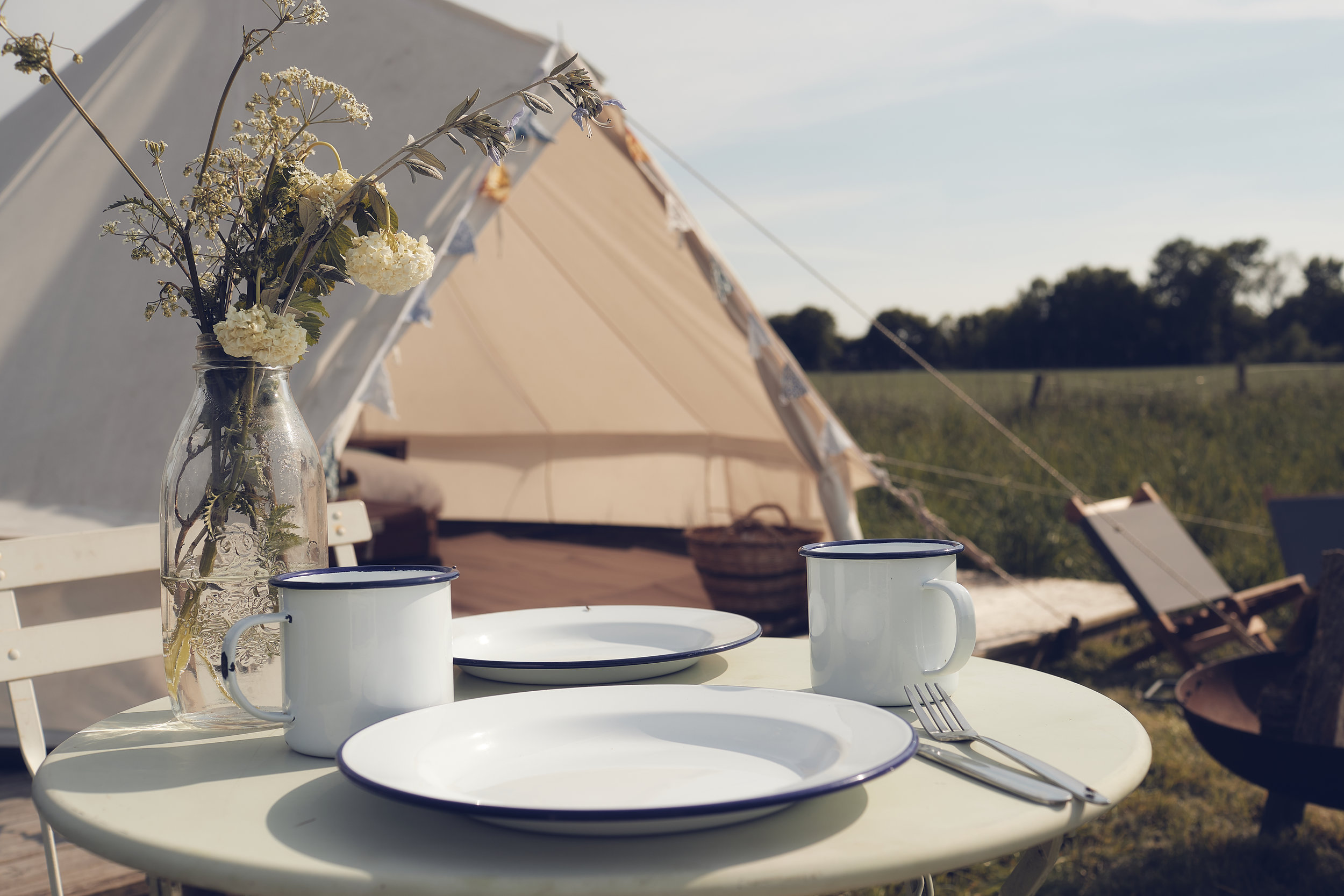 Glamping near london plates