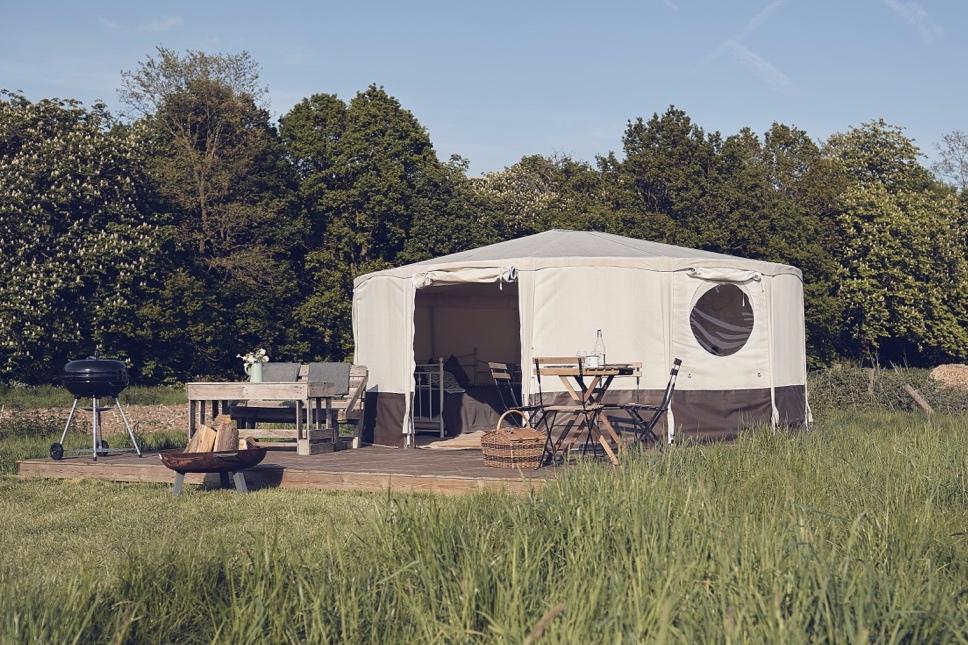 Glamping+London+Yurt