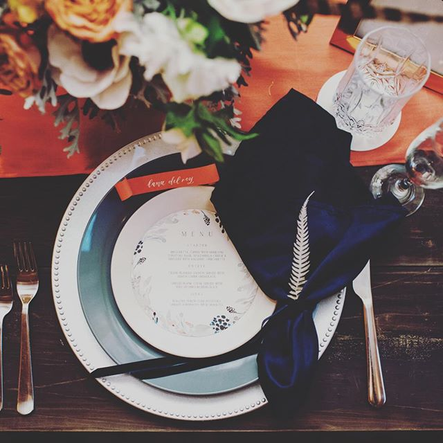 A table setting to diiiiie for. . . . ⠀⠀⠀⠀⠀⠀⠀⠀⠀ ⠀⠀⠀⠀⠀⠀⠀⠀⠀ Venue, Planning, Design, Rentals, Drapery, Lighting, Decor, Photo Booth: @allenbrookefarms Photography: @annarobersondesign & @celladoraphotography Balloons & Floral: @foxgloveandheather  Floral: @onewildflower @thefarmersflorist ⠀⠀⠀⠀⠀⠀⠀⠀⠀ Calligraphy, Invitations, & Paper Goods: @minted @_theartisanabode @myletteredaffair Cups, Napkins, Coasters, and more! @foryourparty ⠀⠀⠀⠀⠀⠀⠀⠀⠀ #weddings #engagementring #barnwedding #barnweddingvenue #marthaweddings #weddingplanning #bridetobe #theknot #nashvillewedding #destinationwedding #weddingtrends #huffpostweddings #nashvillebride #luxuryweddings #thatsdarling #bespokewedding #dailydoseofpaper #stylemepretty #greenweddingshoes #modernwedding #bohowedding #lovegoesround #placecards  #handlettering #joywed #stationerylove #tablescape #dinnerpartyn #fancy ⠀⠀⠀⠀⠀⠀⠀⠀⠀ ⠀⠀⠀⠀⠀⠀⠀⠀⠀