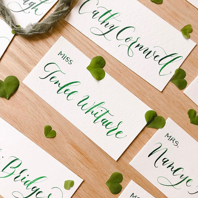 I know I've been quiet over here but with 2 kids at home for the summer - me = 🤯  Happy #friyay ☘️ . . . . . . .  #weddinginspo #greenwedding #weddingplanning #engaged #ido #humpday #escortcards #placecards #moderncalligraphy #flatlay #modernscript #flatlaystyle #fourleafclover #clover #dailydoseofpaper #blueberries #handlettering #stylemepretty #theknot #cursive #oncewed #weddingchicks #modernwedding #minimalwedding #risingtidesociety #darlingsociety #darlingmovement #nashvillecalligrapher