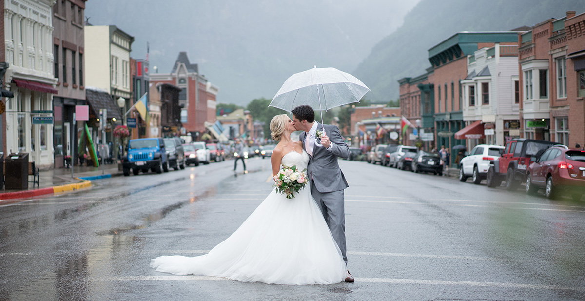 David Manning Photographer Telluride couple in the rain