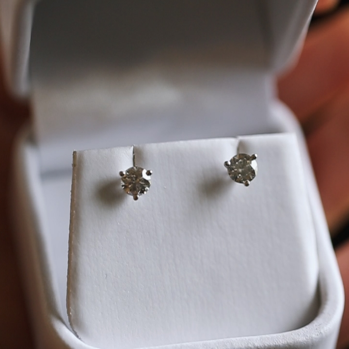 hotel-julien-dubuque-diamond-earrings