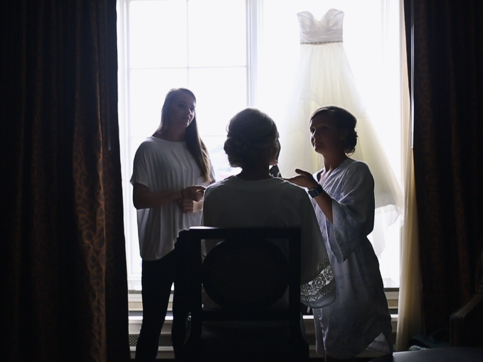 hotel-julien-capone-suite-bridal-suite-getting-ready-wedding-day