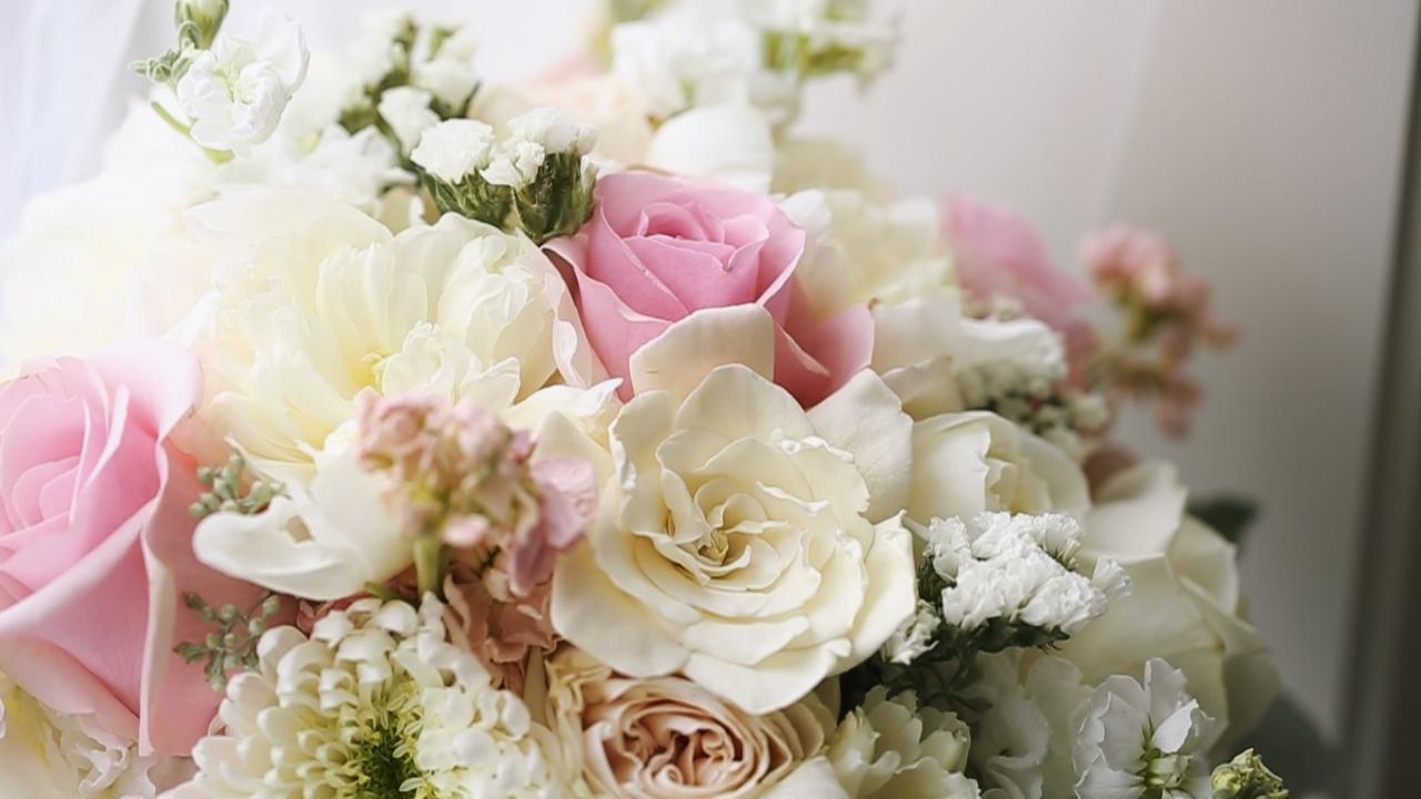 cathy-breitbach-dubuque-florist-wedding-bouquet-may-wedding