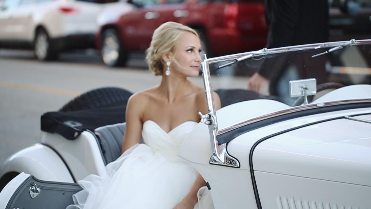 harley-white-vintage-car-dubuque-iowa
