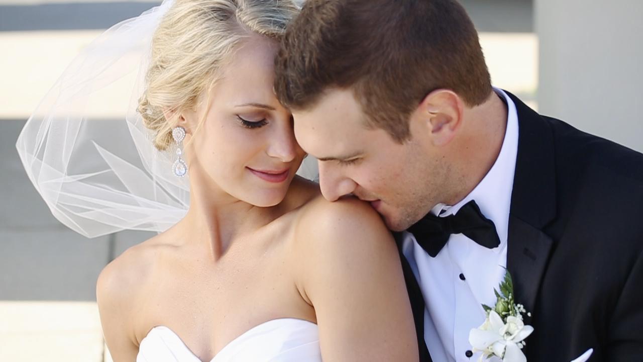 bridal-veil-emily-eric-may-wedding-dubuque-iowa-katherine-mendieta-films