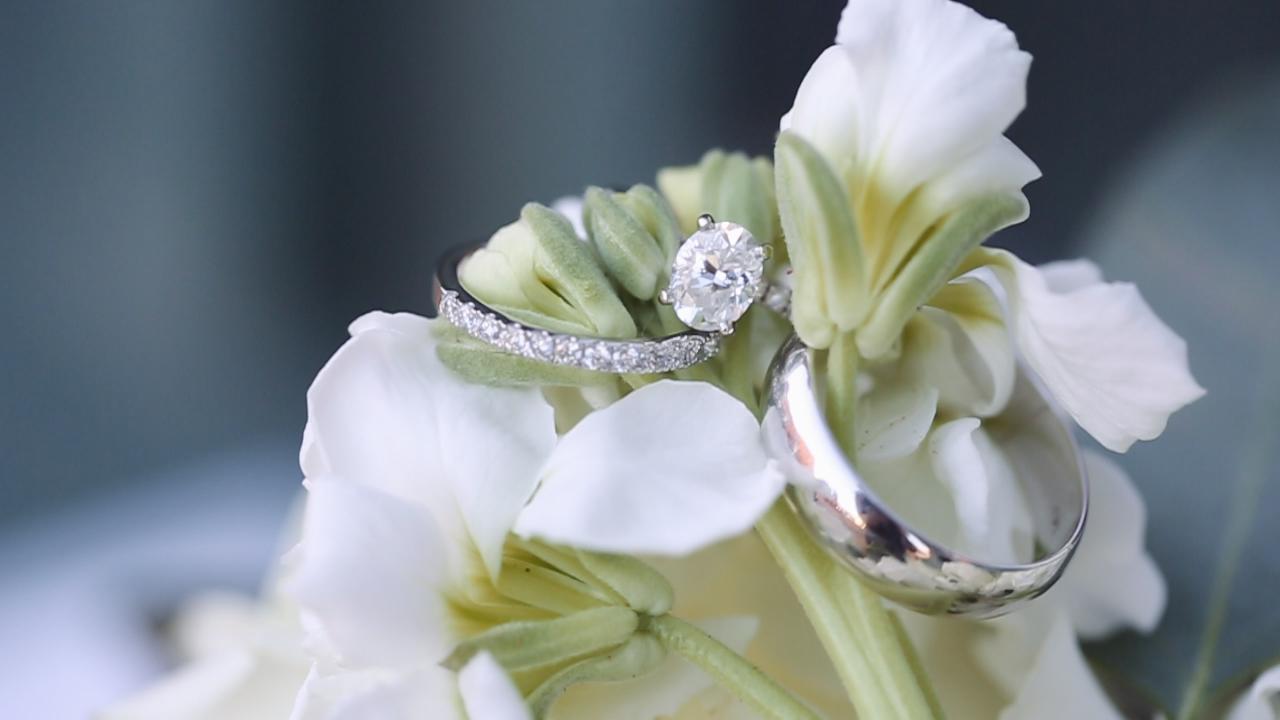 wedding-bouquet-rings-doland-jewelers-dubuque-iowa