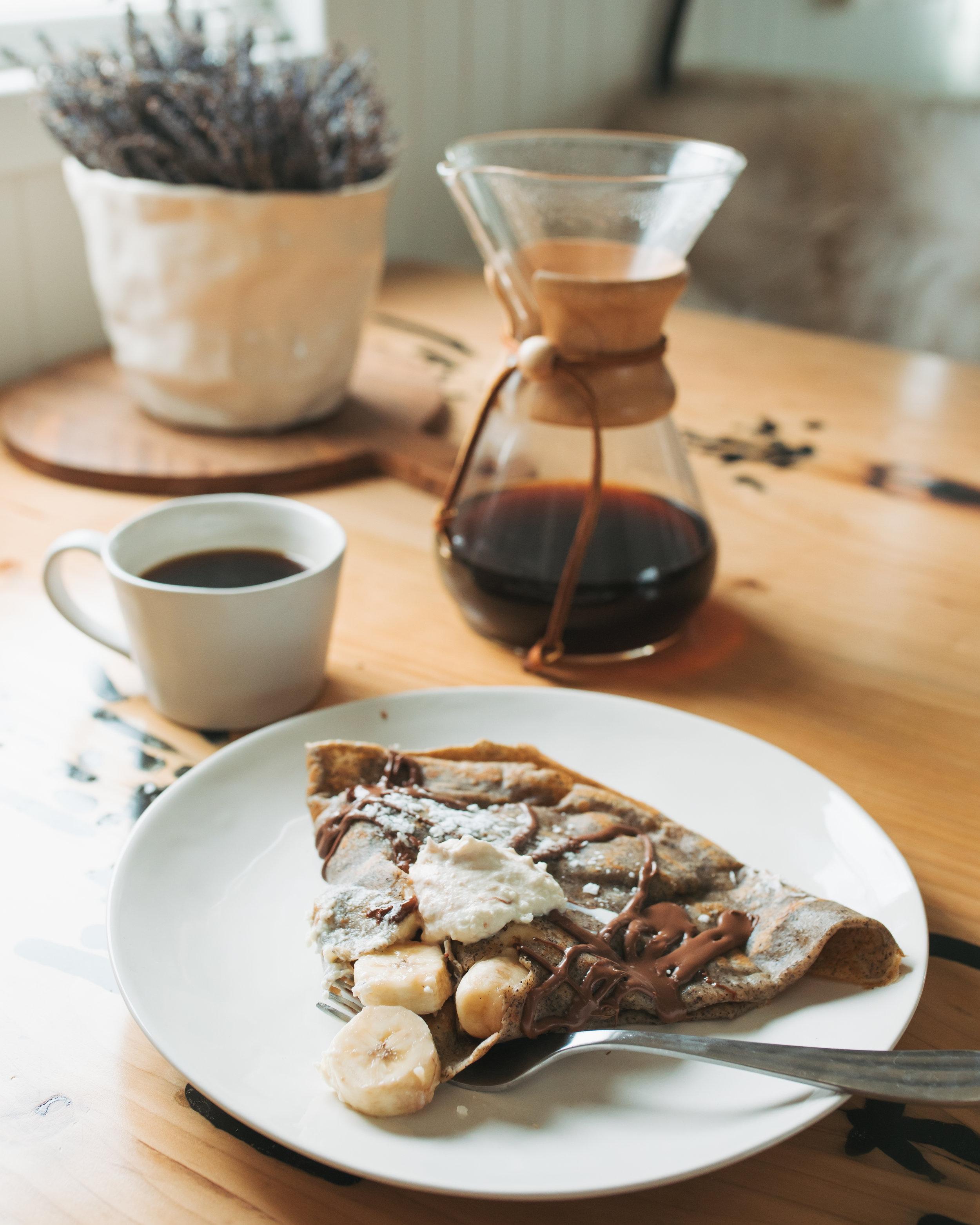 katherine_mendieta_seattle_houseboat_crepe_breakfast.jpg