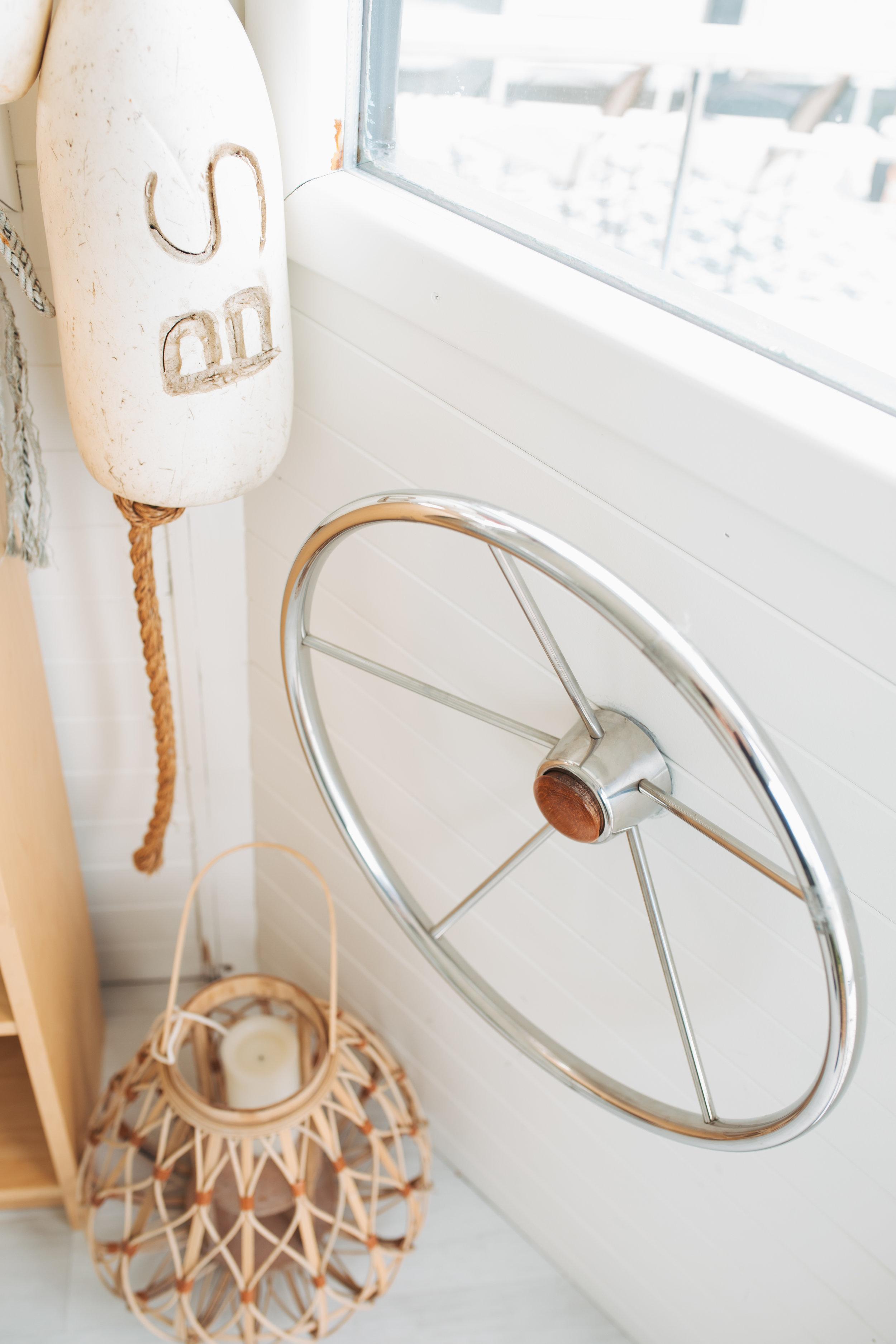 katherine_mendieta_seattle_lakeside_lovenest_houseboat-27.jpg