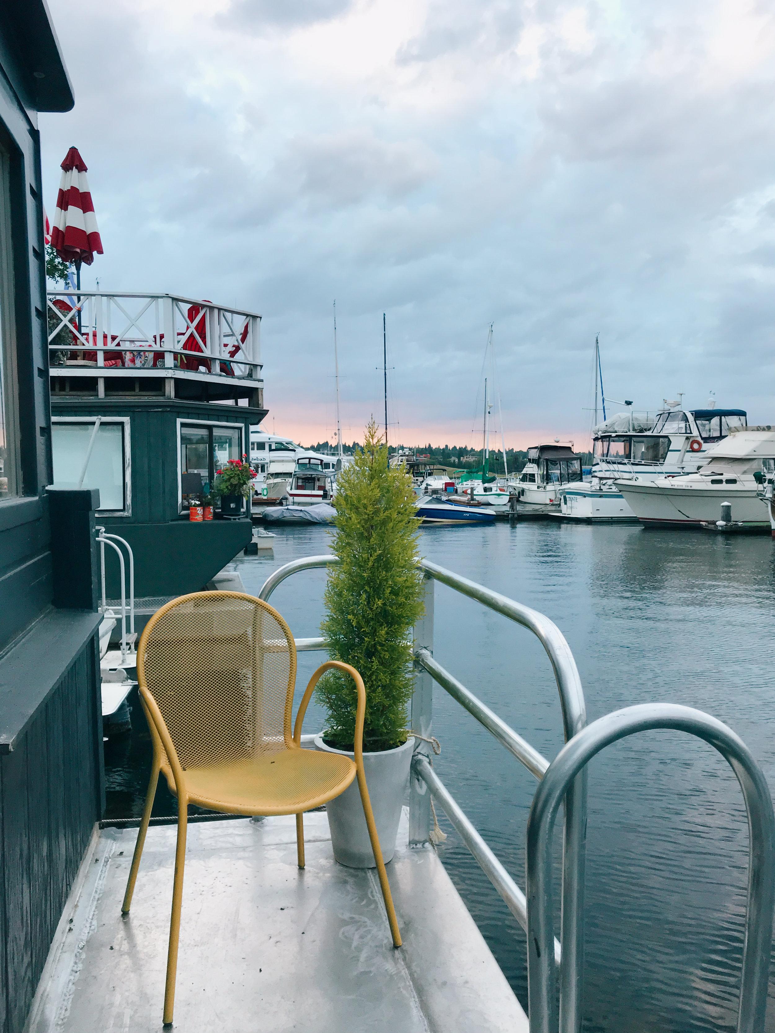 katherine_mendieta_seattle_lakeside_lovenest_houseboat-56.jpg