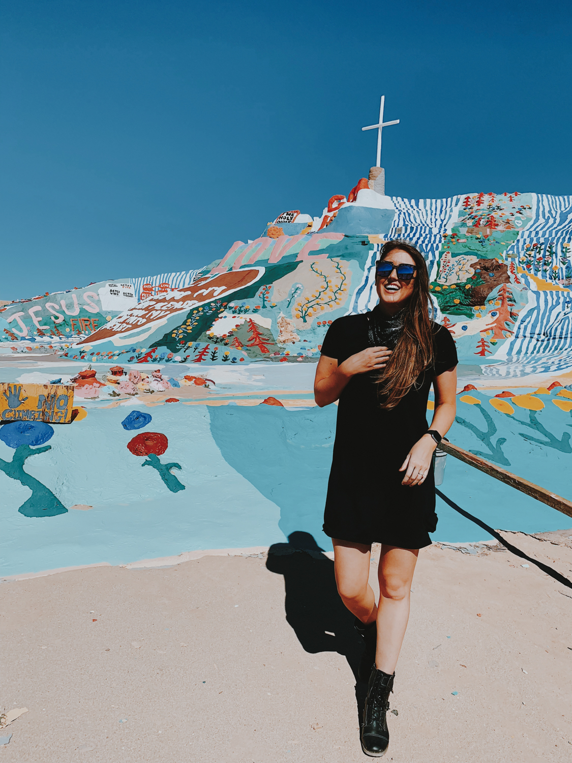 katherine_mendieta_salvationa_mountain_southern_california.jpg