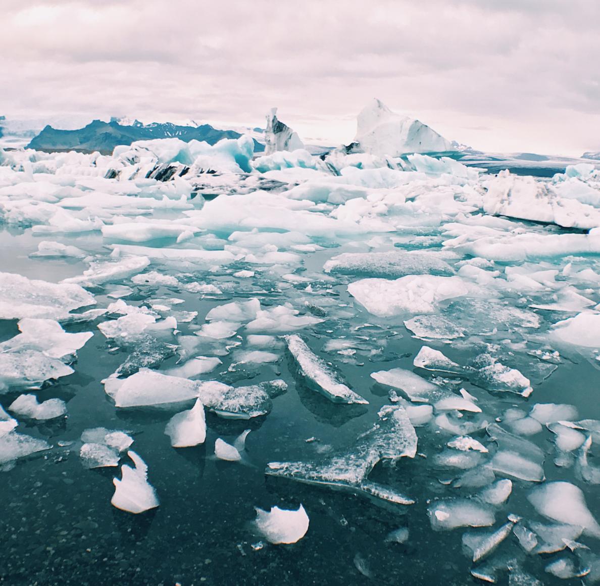 jokulsarlon-glacier-lagoon-diamond-beach-iceland-2.png