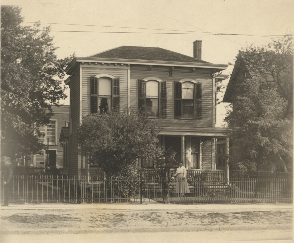 First Linekstudio residence   This modest home in Cleveland's Fleet Ave. neighborhood served as the first office for Linekstudio Circa 1908