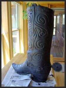 The boot, painted black, ready to be tiled.