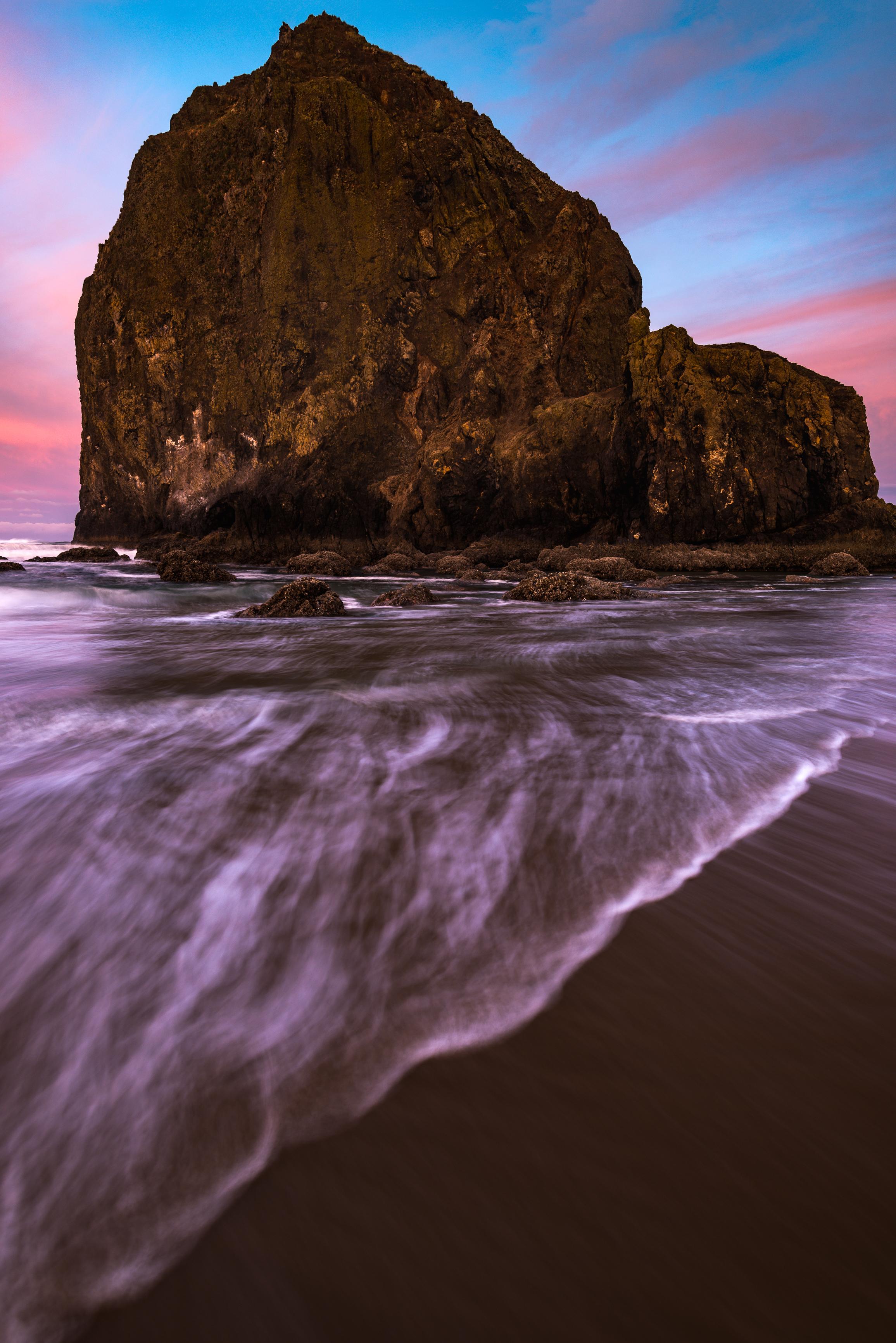 cannon beach sunrise waves