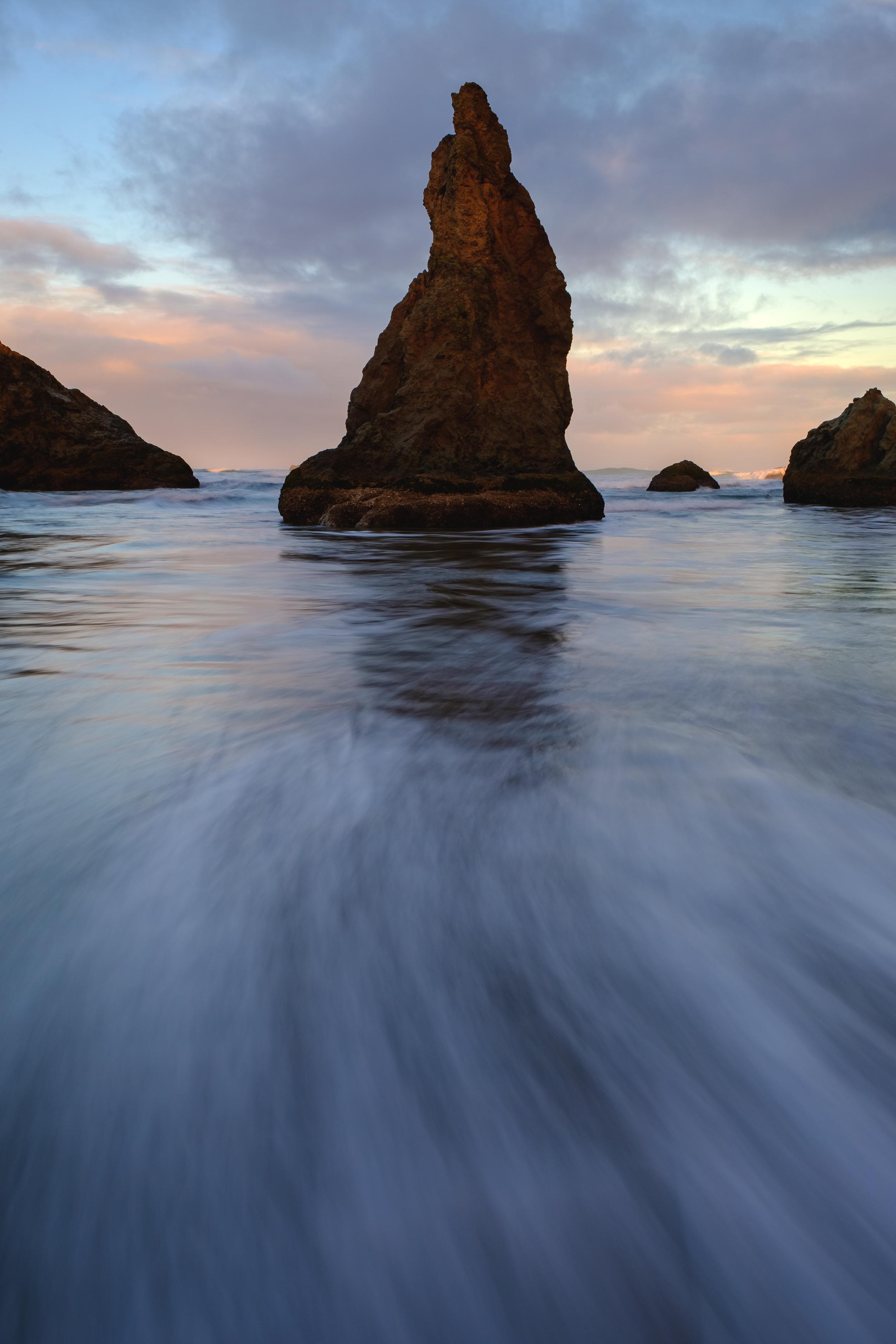 bandon seastack oregon coast sunrise