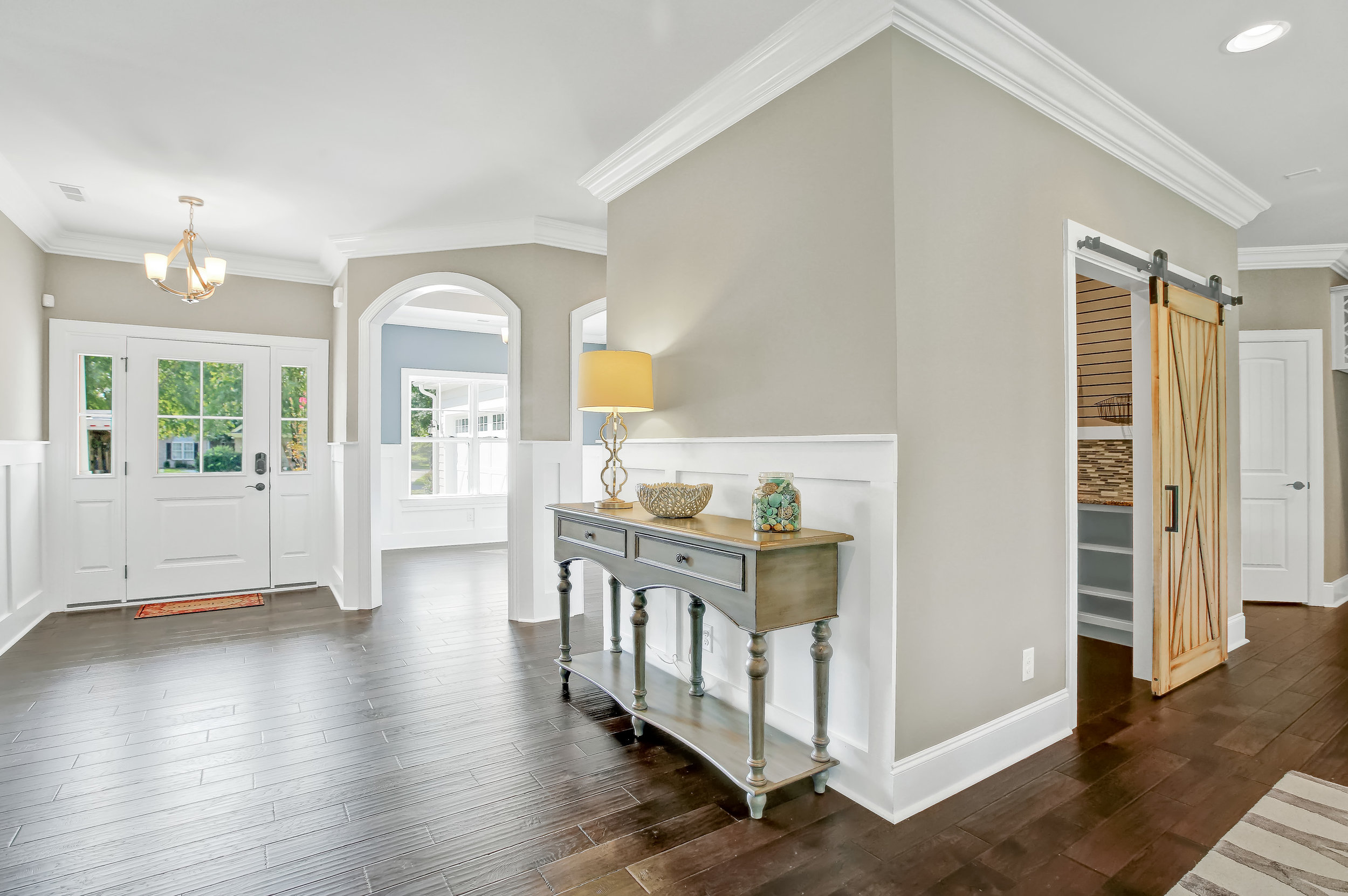 949 Forest Pointe Living Area-05.JPG