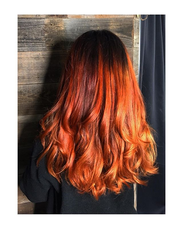 FIRE MELT ... ... ... Stylist: @teraberracuda  Location: @crow_salon  #partytime #crowsalonlamesa #sandiegohair #crowsalon #colormelt #copperhair #redken #haircolor #balayage #copperhaircolor #copperbalayage
