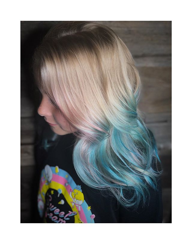 COLOR Stylist - Jacey @jacey.crow_salon  Location - @crow_salon ... ... #crowsalon #crowsalonlamesa #crow #lamesa #lamesahairsalon #lamesahair #lamesahairstylist #sd #sdhair #sdhairstylist #sandiego #sandiegohair #sandiegohairstylist #sandiegohairsalon #blue #teal