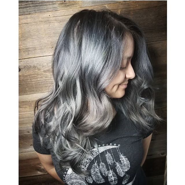 Grey Hair & Undercut By @brittneyatcrowsalon . . . #crowsalon #lamesa #lamesavillage #sandiego #greyhair #ashblonde #greymelt #kenracolor #kenraprofessional #guytangcolor