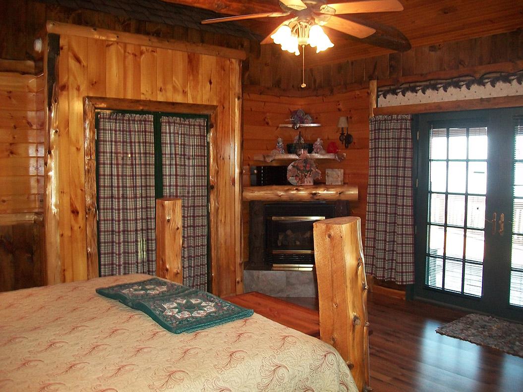 master_bedroom_008-0324.jpg