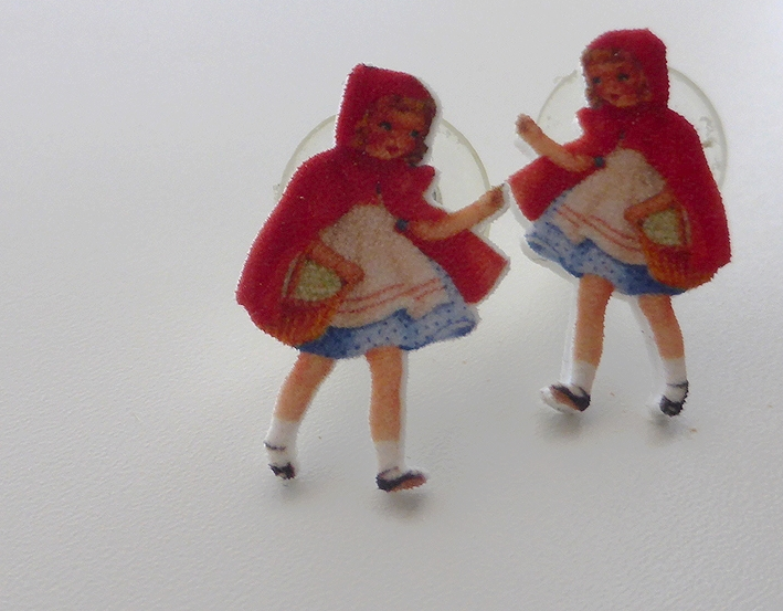 Vuela Vuela - Little Red Riding Hood earrings - Made in Montreal - Montreal Etsy Sellers