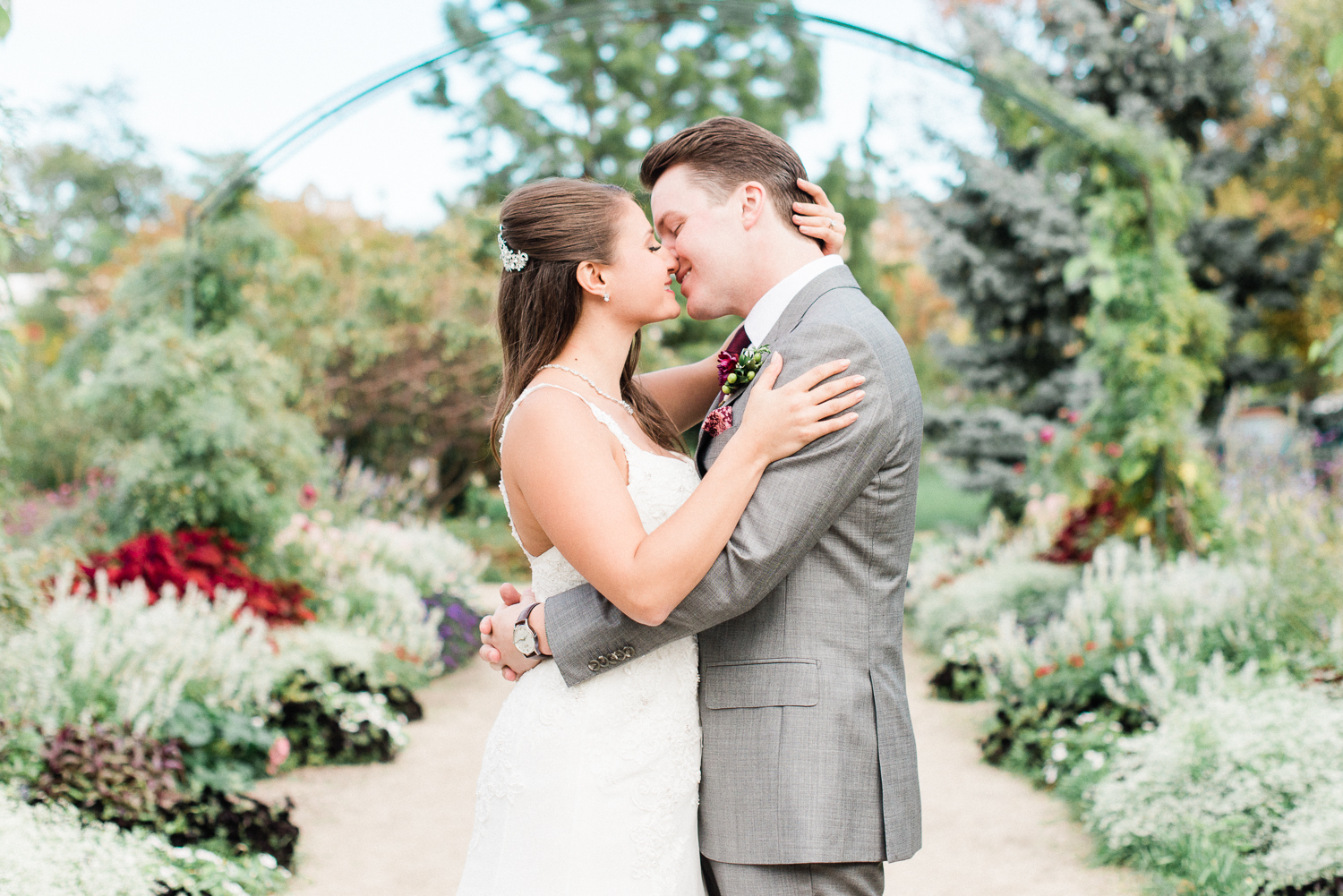 Brittany Bekas - Garfield Park Conservatory Chicago Wedding Photos-11.jpg