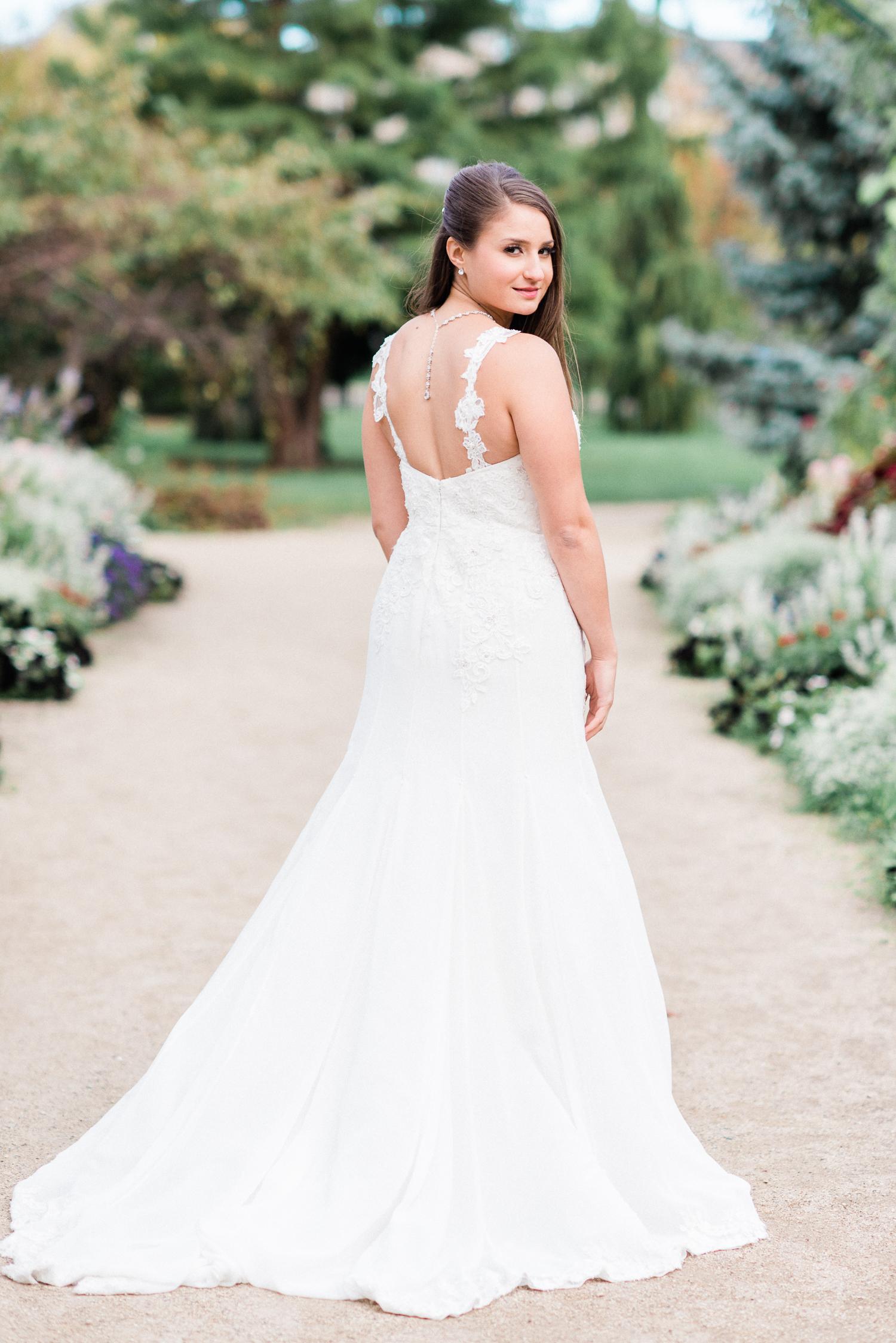 Brittany Bekas - Garfield Park Conservatory Chicago Wedding Photos-13.jpg