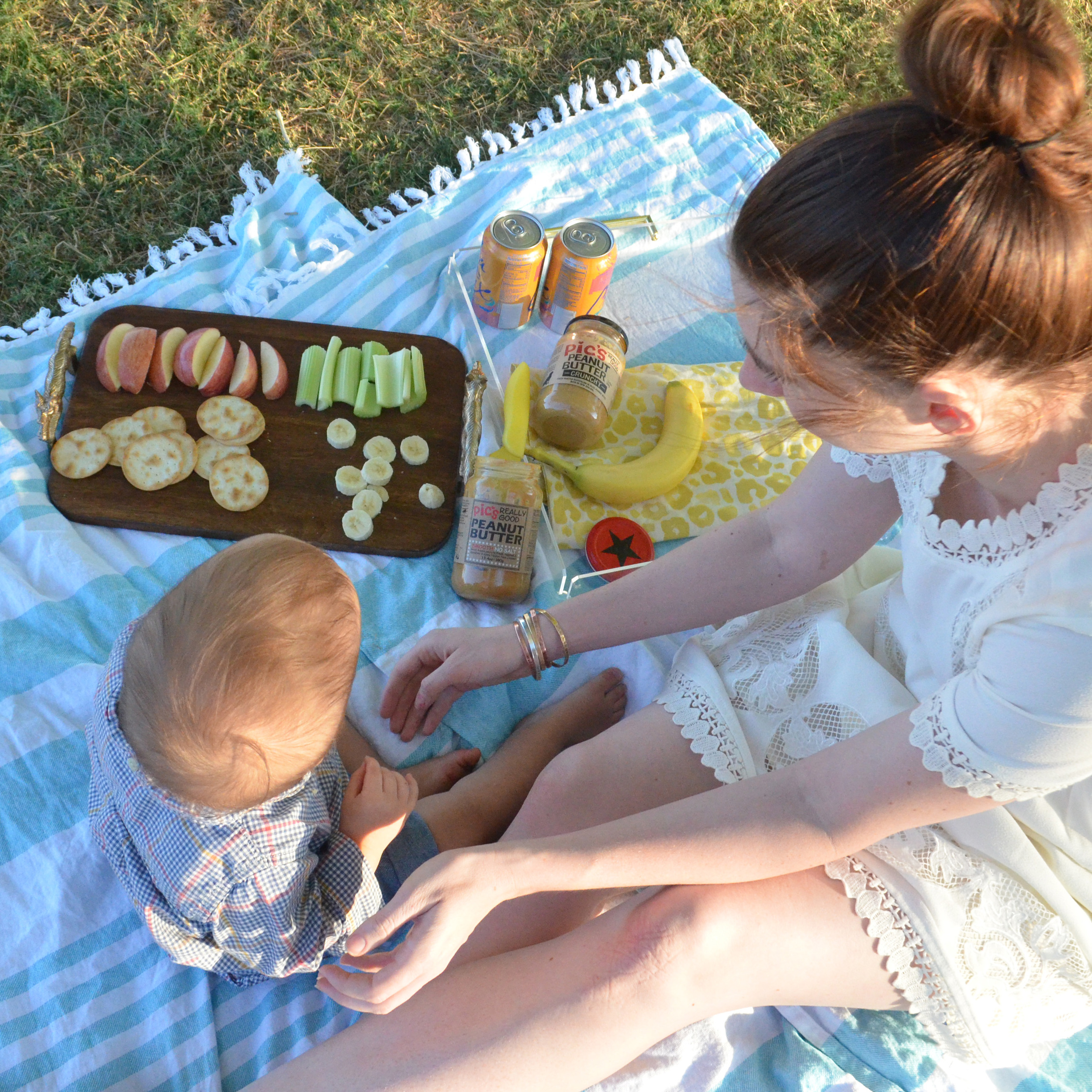 An Easter Weekend Picnic | Momma Society-The Community of Modern Moms | www.MommaSociety.com
