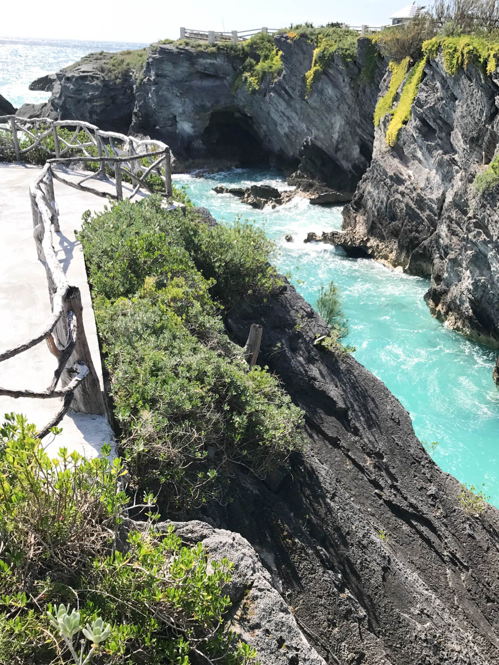 Bermuda Travel Guide | Bermuda travel tips | Bermuda things to do | Babymoon Ideas | Babymoon outfits | Babymoon Destinations | Bermuda Packing List