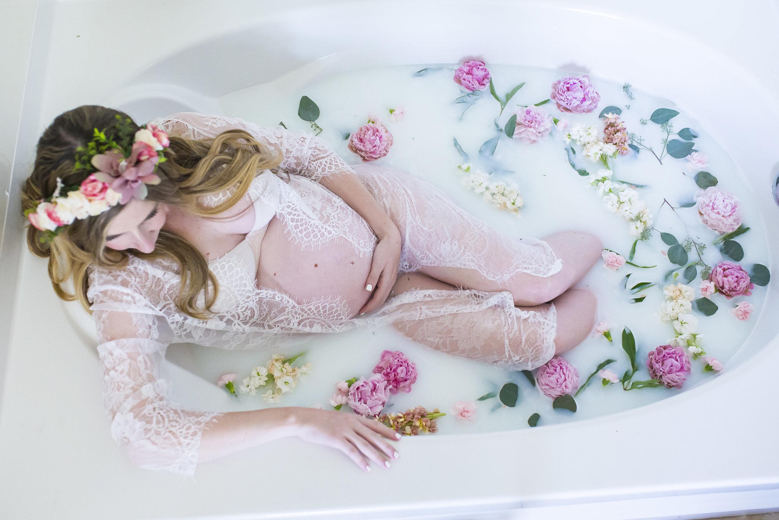Milk Bath Maternity Photography Pictures | Milk Bath Tips | Milk Bath Pregnancy