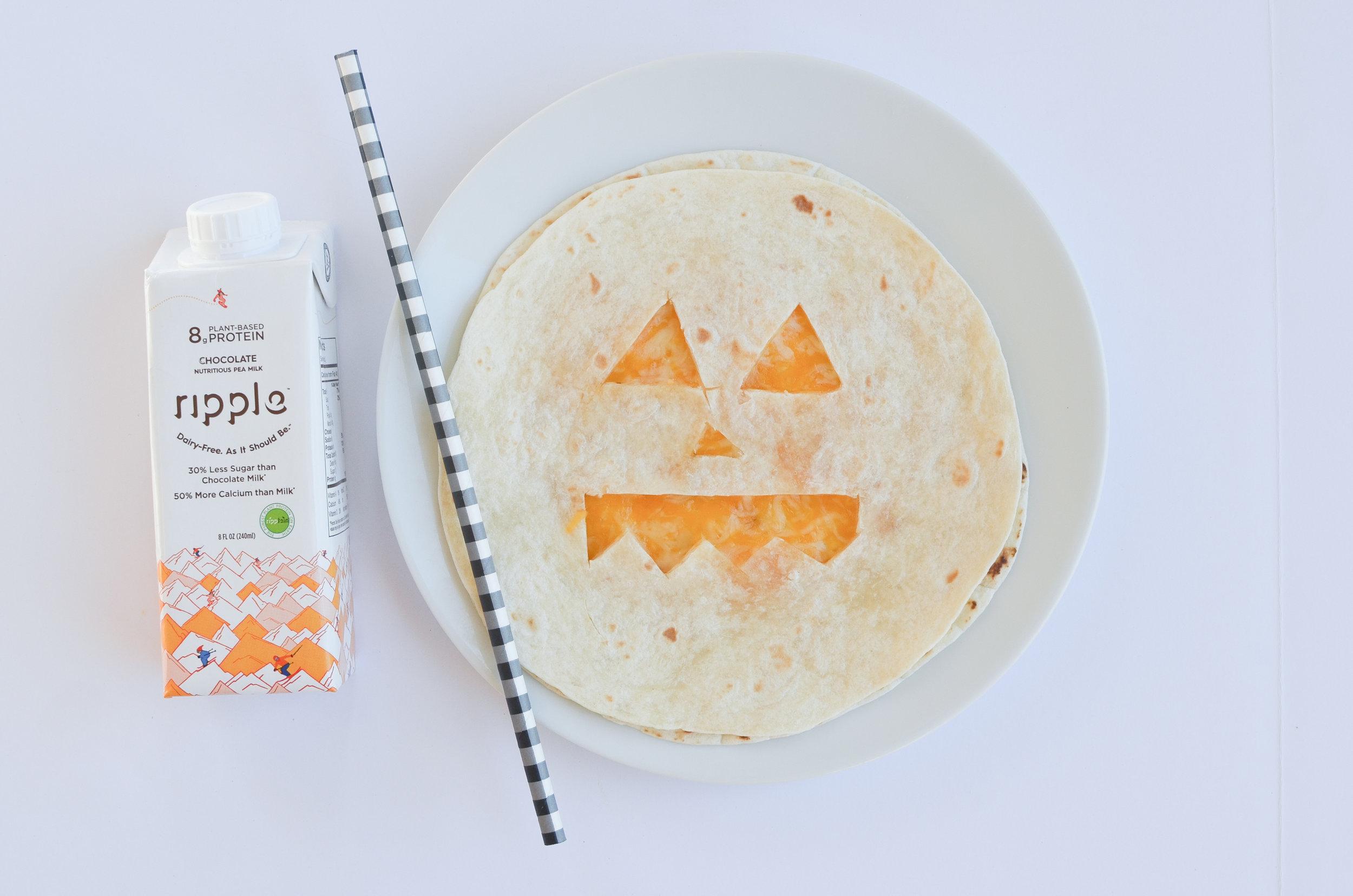 Easy Halloween Snacks | Toddler Snacks | Halloween Food | Halloween Ideas | Pumpkin Quesadilla